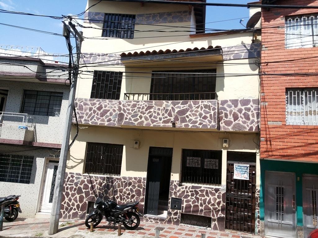 Casa   Venta   Tres Niveles   Las Palmas